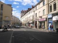 Lyon: Collomb veut un dimanche travaillé supplémentaire pour les commerçants