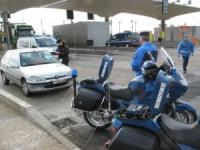 Lyon : un motard de la gendarmerie projeté dans une vitrine