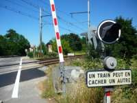 Quatre morts et un blessé grave dans une collision entre un train et une voiture dans le Rhône