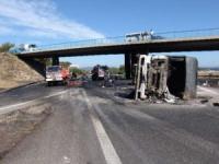 Un camion brûle sur l'A6
