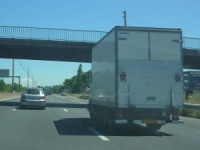 Un camion perd son chargement sur l'A47