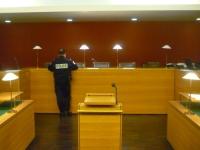 Une tête brulée se fait renvoyer du tribunal