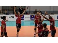 L'ASUL Lyon Volley conserve sa place de leader face à Cambrai