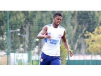 Michel Bastos rassure ses twittos sur son avenir à l'OL