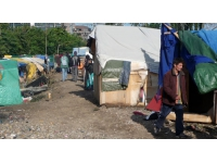 Vaulx-en-Velin : manifestation de riverains pour le départ des Roms
