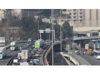 Grosses difficultés de circulation après un double accident près du Tunnel sous Fourvière