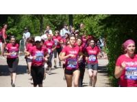 Courir pour elles : 60 000 euros pour les associations de lutte contre les cancers de la femme