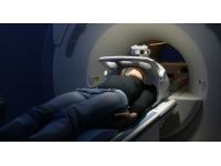 24,2 jours d'attente en moyenne pour passer une IRM en Rhône-Alpes en 2013