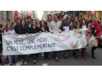Lyon : les anti mariage pour tous manifesteront sous les fenêtres de Gérard Collomb