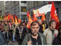 Conférence sociale : rassemblement devant le MEDEF à Lyon