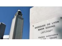 Manuel Valls au contact de la communauté musulmane à Lyon