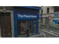 Un homme d'affaires lyonnais rachète 17 magasins Phone House