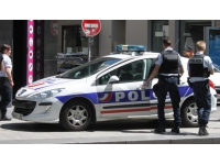 Lyon 3e : Trois individus volent et agressent un homme avec un tesson de bouteille