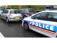 Lyon : suite à un différend, il frappe un homme avec un poteau de signalisation