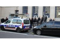 Lyon : une trentaine de policiers apportent leur soutien aux manifestants parisiens