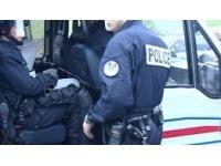 Villeurbanne : un homme blessé à l'arme blanche découvert dans la rue
