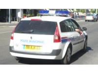 Lors d'un contrôle routier, la police découvre un revolver dans le vide poche