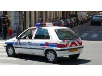 Pierre-Bénite : il menace sa concubine avec un pistolet et la frappe