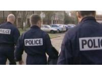 Ils se déguisent en agent des eaux et en policier pour escroquer une vieille dame