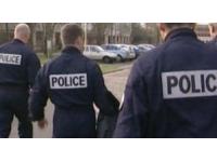 Un faux policier soutire de l'argent aux femmes qu'il rencontrait sur internet