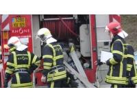 Une voiture en feu dans un garage à Villeurbanne lundi matin
