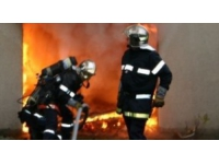 Lyon : trois jeunes mettent le feu à un conteneur à ordures