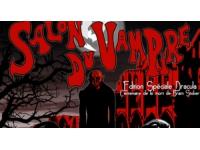 Capes noires et canines de sortie pour le salon du Vampire