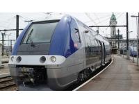 Rhône : une collision dimanche entre un TER et une voiture garée sur le quai de la gare