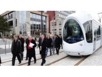 Extension du tram T4 : de nouveaux essais nocturnes