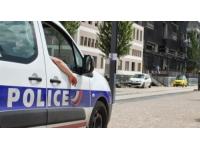 Lyon : incendie d'un container à poubelles, un adolescent arrêté