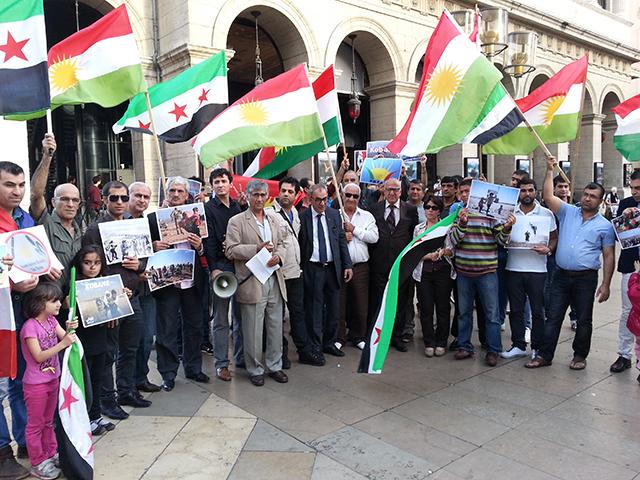 Lyon : une cinquantaine de personnes dénoncent les crimes de l'Etat Islamique