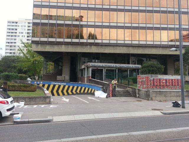 La Chambre patronale du Bâtiment de Rhône-Alpes saccagée ce mercredi par des manifestants