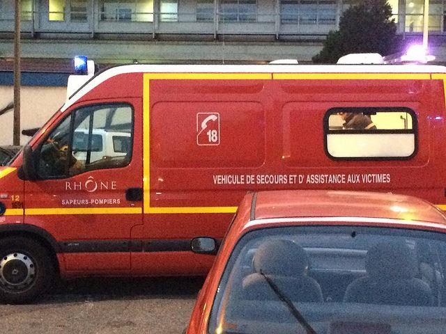 Nord-Isère: deux jeunes de 18 ans tués et un blessé grave après un accident de la route