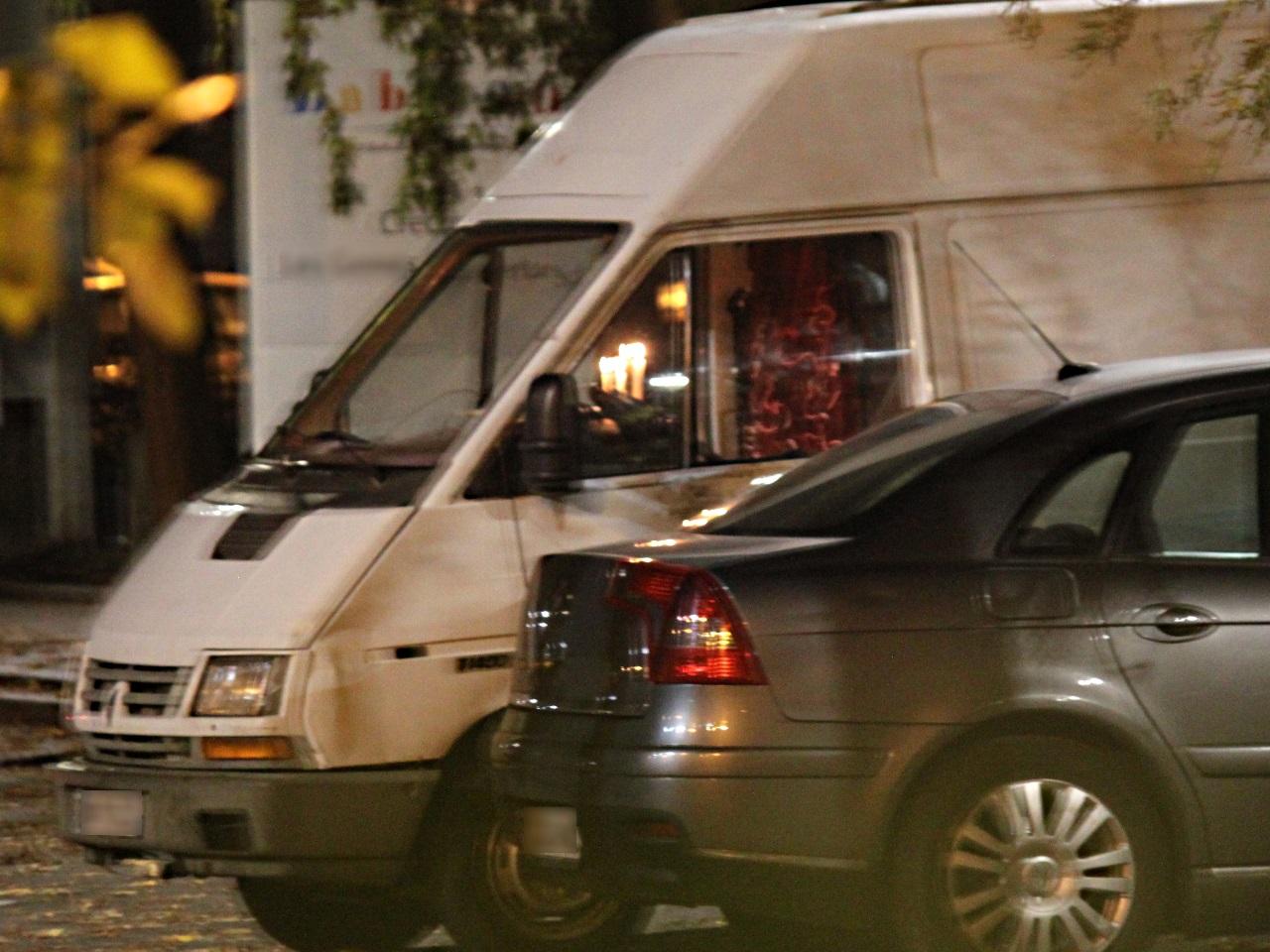 lyon 7e deux nig rians arr t s pour avoir lou des camions des prostitu es. Black Bedroom Furniture Sets. Home Design Ideas