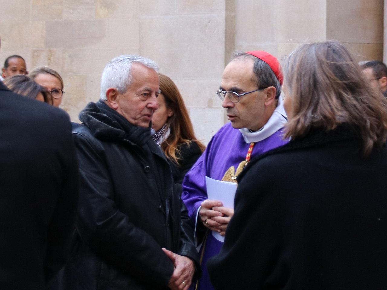 Yves Prénat, le père de Caroline, avec le cardinal Barbarin - LyonMag