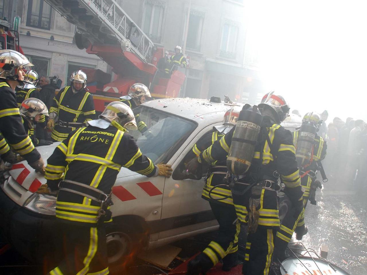 Les pompiers du Rhône héroïques - Archives LyonMag