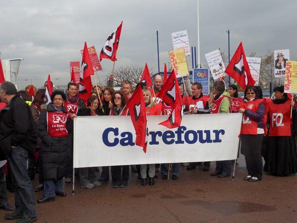 La grève va se poursuivre vendredi à Carrefour Vénissieux