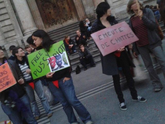 Soutien aux Pussy Riot: les chattes de retour à Lyon