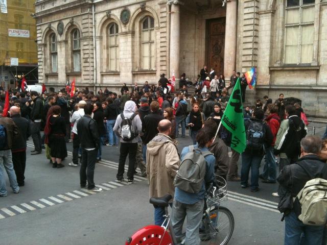 Les étudiants de nouveau dans la rue
