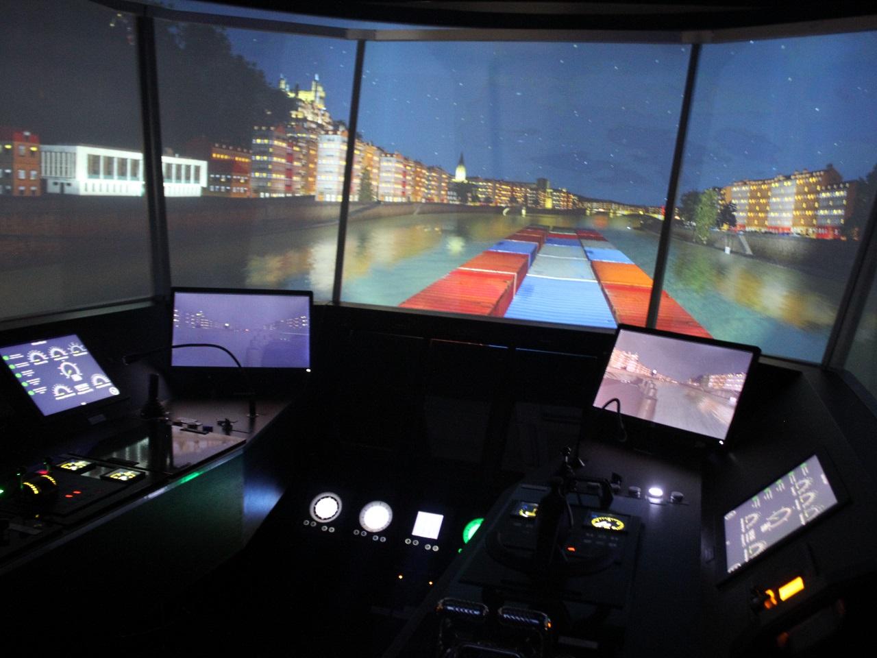 Le simulateur comprend une vision à 240° - LyonMag