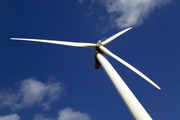 Des éoliennes sur la place Antonin Poncet à Lyon