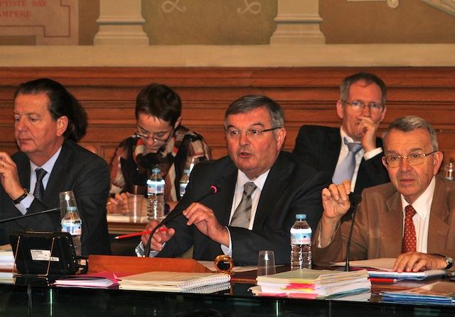 Conseil général : Michel Mercier s'emporte sur le COL