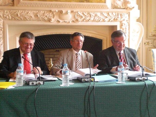 L'OPAC du Rhône, l'Etat et le Département ont signé la première Convention d'Utilité Sociale de France