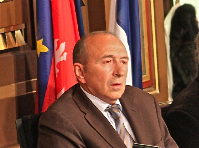 Le «baron» Collomb au bureau national du PS
