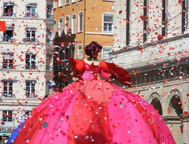 Grand défilé de danse à Lyon