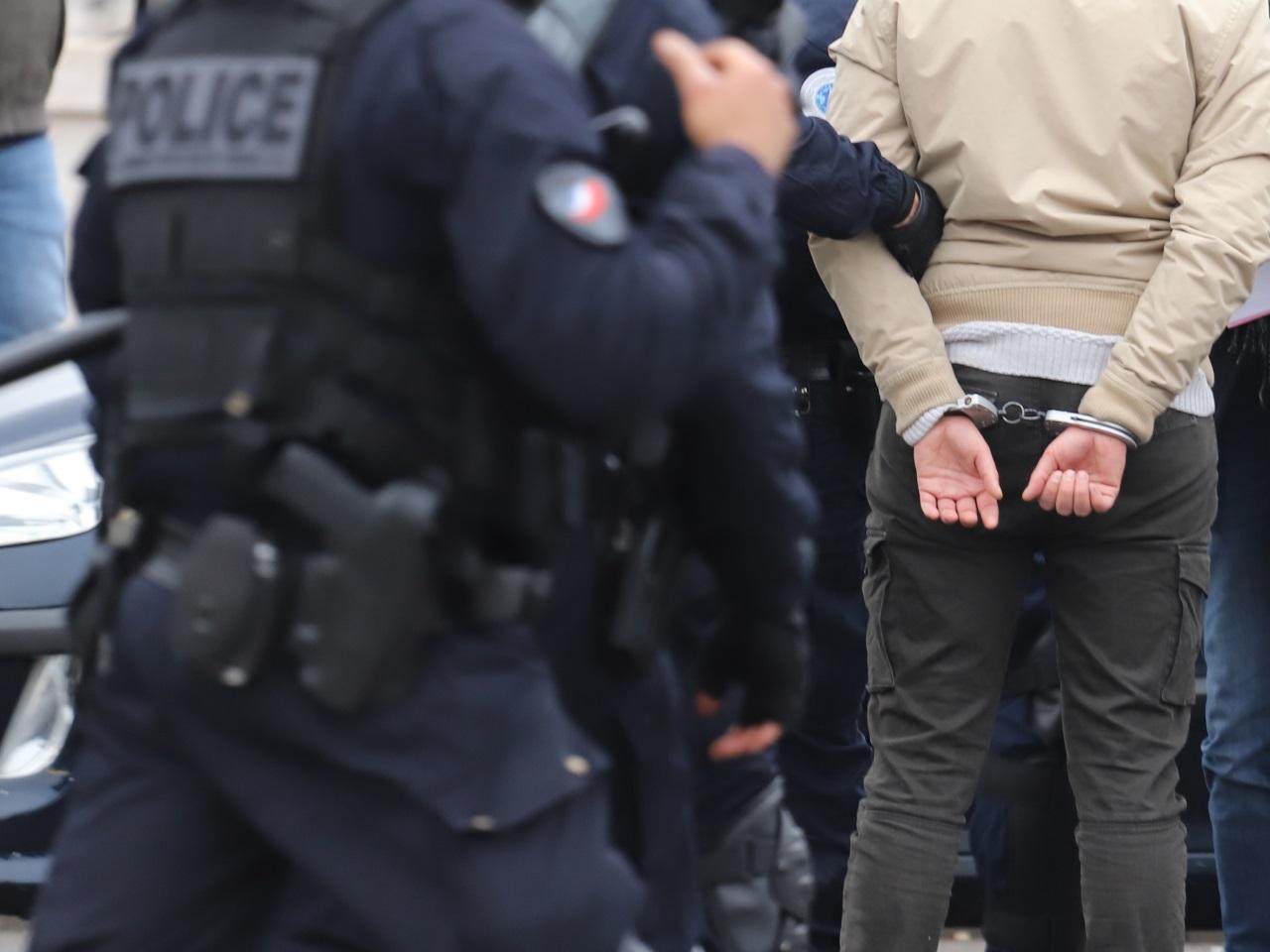 Suisse-France: Fourgon braqué sur l'A1: 15 arrestations - Faits Divers
