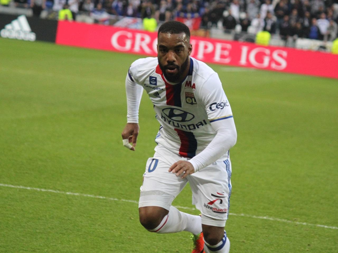 Ajax-Lyon avec Lacazette sur le banc, Fekir en pointe — Europa League