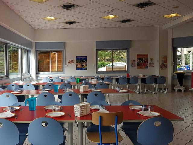 """Cantines scolaires à Lyon : """"encore trop peu d'efforts"""" sur les repas végétariens"""