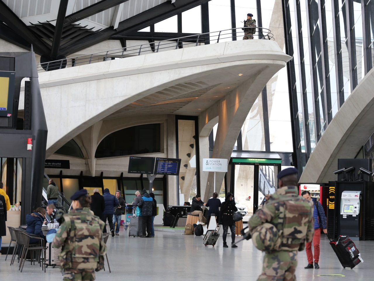 Dans le hall de la gare SNCF - LyonMag