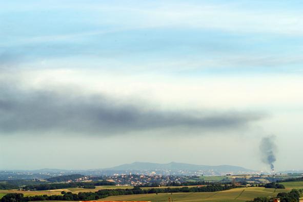 Feyzin : fumée noire au-dessus de la raffinerie
